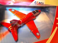 MODEL OF RED ARROWS JET BA HAWK RAF RED ARROWS DISPLAY CORGI SMALL MODEL + STAND