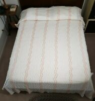 """Vintage Chenille Cotton White And Pink Full Double Bedspread  90"""" by 110"""" GUC"""