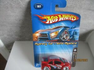 HOTWHEELS  2005 MYSTERY CAR VOLKSWAGEN  NEW BEETLE CUP  ALLOYS RUBBER TYRES