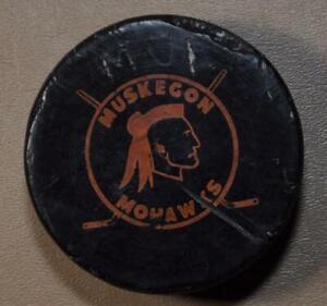 Muskegon Mohawks (MI) - IHL HOCKEY PUCK - International Hockey League 1965-1984