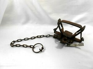 Vintage North Woods #2 Double Spring Muskrat Trap with Trapper's Tag