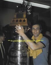 GUY LAFLEUR Celebrates 1977 STANLEY CUP & CONN SMYTHE Trophies 8x10 CANADIENS