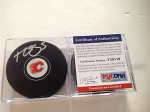 Calgary Flames Mark Giordano Signed Hockey Puck PSA DNA COA Autographed c