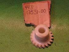 YAMAHA DT175 1974-75 19-TOOTH TACHOMETER PLASTIC DRIVE GEAR # 443-17831-00