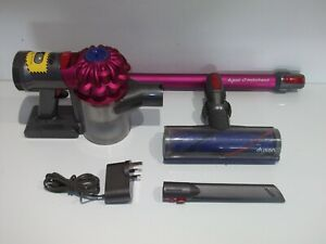 DYSON V7 Motorhead Cordless Vacuum Cleaner with Charger