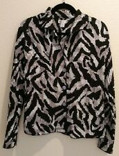 Rafael size small black and white krinkle blouse