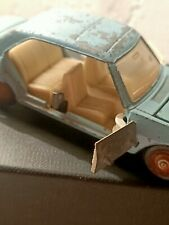 Dinkytoys Peugeot 504 pour pieces meccano made in france / for spare parts