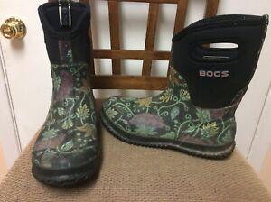 BOGS Womens Boots Size 8 Classic Mid Calf Autumn II Floral Handle Rain