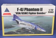 Accurate Miniatures F-4J Phantom II USMC Fighter bomber aircraft model kit 1/72