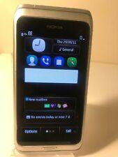 Nokia E7-00 - 16GB Argento Grigio (Sbloccato) Smartphone Cellulare QWERTY