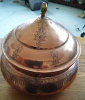 043 Nice Antique Copper Hand Hammered Engraved Urn Pot With Lid Pakistan