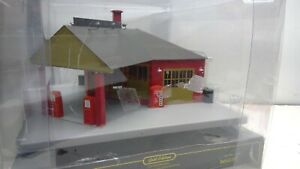 Weaver O Scale Gold Edition #G1965 Neighborhood Gas & Oil Station-NEW (K92)