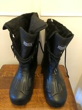 Black Sports New Fashion Boots Size 6 BN