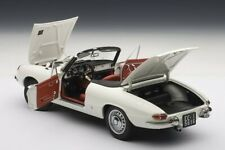 Autoart 1:18 Alfa Romeo 1600 Spider Duetto NEU NEW