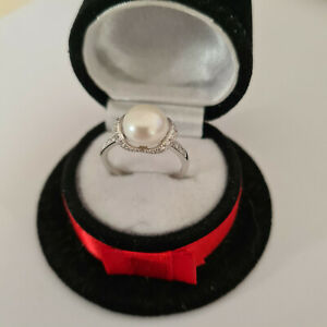 Beautiful Freshwater Pearl & Diamond Ring in Sterling Silver