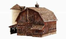WOODLAND SCENICS BUILT & READY OLD WEATHERED BARN HO SCALE STRUCTURE