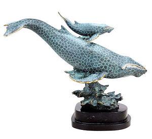Grandiose Bronze-Tierskulptur - Blauwalmutter mit Kind - signiert Milo