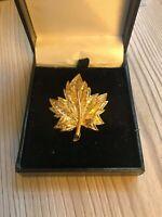 Vintage D'orlan 9247 Gold Tone Canadian Maple Leaf Brooch
