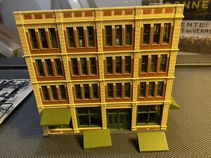 Bachmann Spectrum HO Department Store Built w/ All Detail Parts to Complete