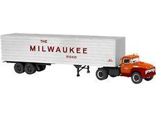 "Lionel 6-82846  14"" Milwaukee Rd 40' Trailer w/ Die-Cast Tractor New in Box"