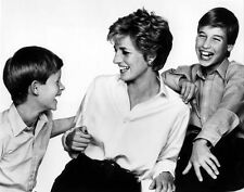 Princess Diana, Prince William and Prince Harry 10 x 8 UNSIGNED photo - P696