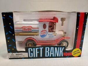NOS VINTAGE 1993 PEPSI COLA Gift Bank Delivery Truck COIN BANK COLLECTABLE (du)