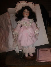 "Heritage House Collector Ed. Musical Doll ""Melissa"" Plays You are my SunshineNIB"