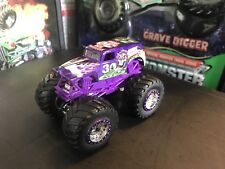 Hot Wheels Monster Jam Truck 1/64 Grave Digger Spectraflames 30th Ann Purple