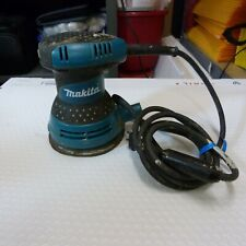 Makita BO5030K 5 Inch Corded Electric Random Orbit Sander Tool with Hard Case