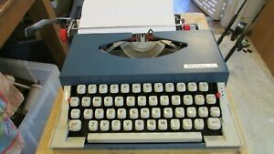 Vintage Royal Sprite Portable Manual Blue Typewriter With Case Japan