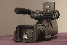 Caméra semi-pro Sony HXR-MC2000E