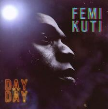 Femi Kuti-day by day/Kunle olayode Patrick GORAGUER SEB MARTEL neuf dans sa boîte