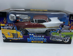 Muscle Machines 1/18 '56 Oldsmobile Delta Maroo White Two Tone Diecast Car Read