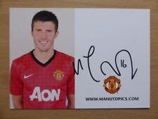 2012-13 Michael Carrick Signed Man Utd Club Card (4523)