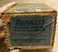 ANTIQUE BRADLEY'S WOODEN DOVETAIL DUSTLESS BLACKBOARD CRAYONS CHALK BOX OLD NICE