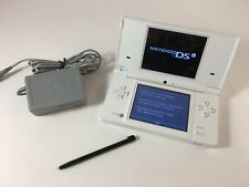 Nintendo DSi TWL-001 white game console w/ charger and stylus