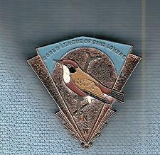 #D203. 1944  NSW  GOULD LEAGUE OF BIRDS   LAPEL  BADGE, CRIMSON  CHAT
