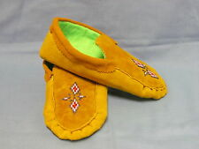 NATIVE AMERICAN BEADED HIDE MOCCASINS, 10 INCHES, PRETTY DIAMOND BURST DESIGN