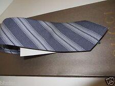NEW  GUCCI Navy/ Ivory Habutai Silk Tie  . Gift bag