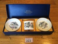 Royal Worcester Gift Set Boxed 2 Small Plates &Spill Posy Vase/ Toothpick Holder