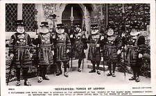 London Beefeaters, Tower of London by Beagles # 888 U.
