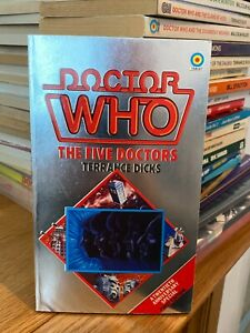 doctor who target book -  THE FIVE DOCTORS - 1st edition