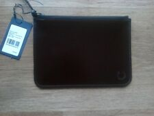 FRED PERRY LEATHER ZIP POUCH