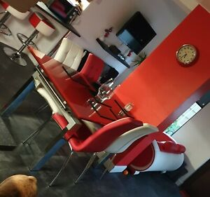 Extendable Dining table and chairs Red and White Used