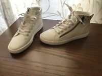 Koolaburra By UGG Womens Kayleigh White High Top Sneakers Size 7