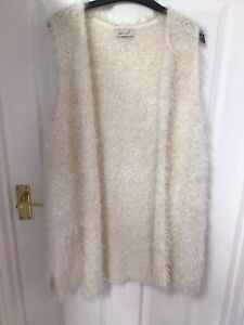 M&S Lovely size 18 Natural fluffy sleeveless open Long cardigan, ❤️ USED