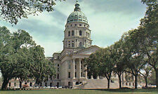 postcard USA  Kansas  state Capitol  Topeka constructed started 1866 unposted