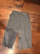 Amy Byer Gray Flair Capri Pants in Girls Size Xl (16)