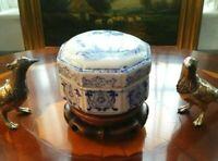 Elegant Blue White Porcelain Hexagon Chinoserie Box Ginger Jar Birds Asian Motif