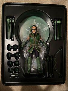 AUTHENTIC Mezco One:12 Collective DC Comics CLASSIC GREEN ARROW Action Figure